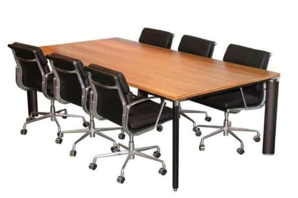 שולחן חדר ישיבות מדגם אייפל