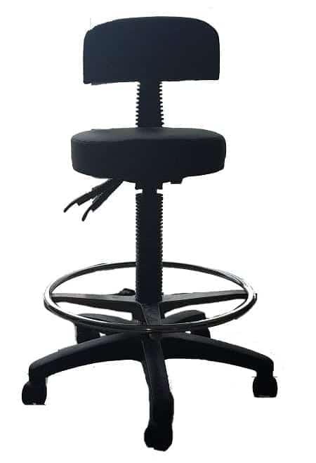 כסא גבוה עם מושב עגול
