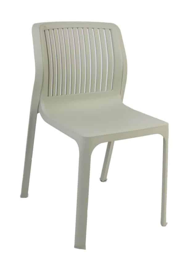 כיסא פלסטיק המתנה