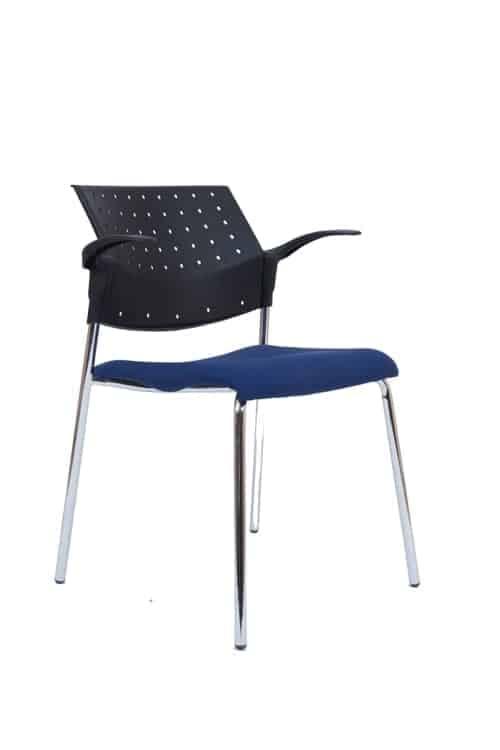 כסא אורח מדגם מיאמי עם ידיות
