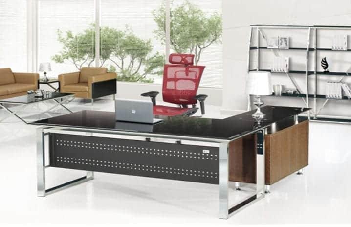 שולחן מנהלים מזכוכית שחורה דגם B