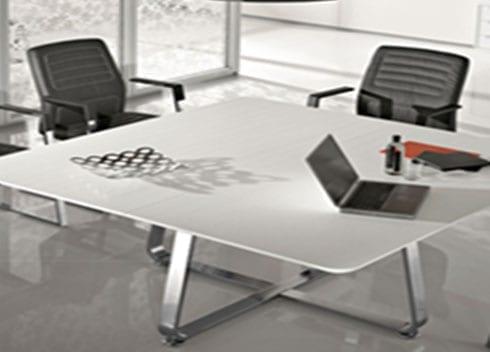 שולחן משרדי מעוצב מזכוכית