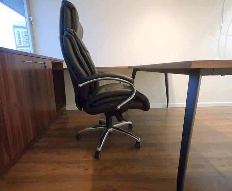 כסא מנהלים מעור אמיתי